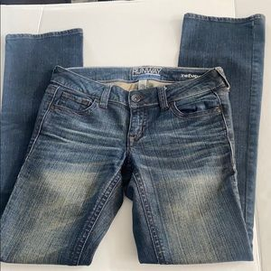 Runway Refuge Bootcut Jeans size 2